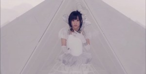 "Imutnya Aoi Yuki Dalam Video Klip Single Pertamanya, ""Visumania"""