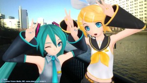 Mari Menggendong Miku di Project Diva F 2nd