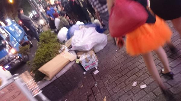 sampah di shibuya after halloween (4)